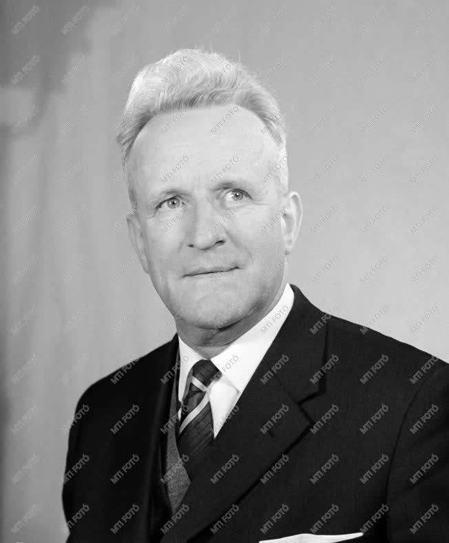 1961-es Kossuth-díjasok - Dr. Sövegjártó János