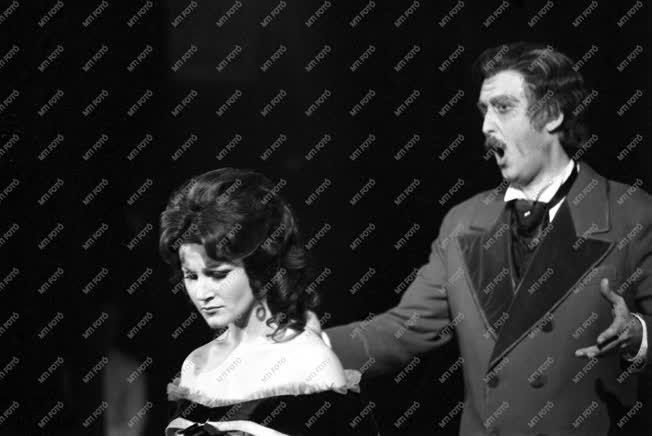 Pitti Katalin először énekelte Violetta szerepét