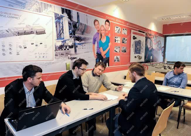 Oktatás - Debrecen - Megkezdődtek a félévi vizsgák
