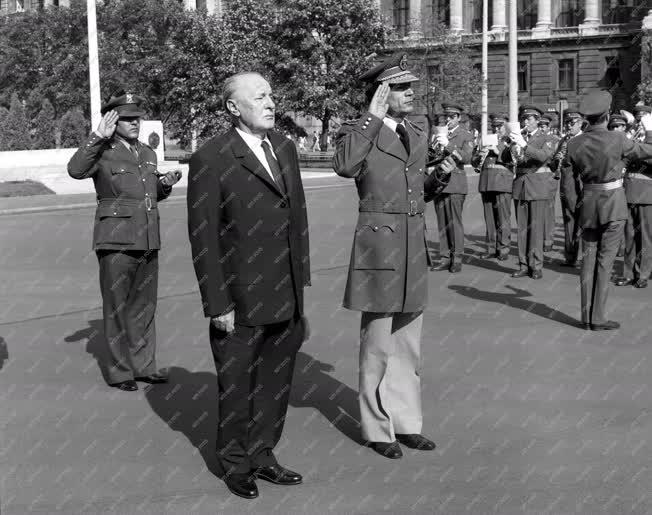 Külpolitika - Kadhafi Budapesten