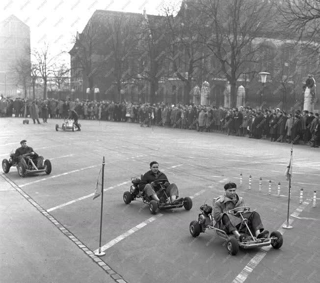 Sport - Autóverseny - Gokart bemutató