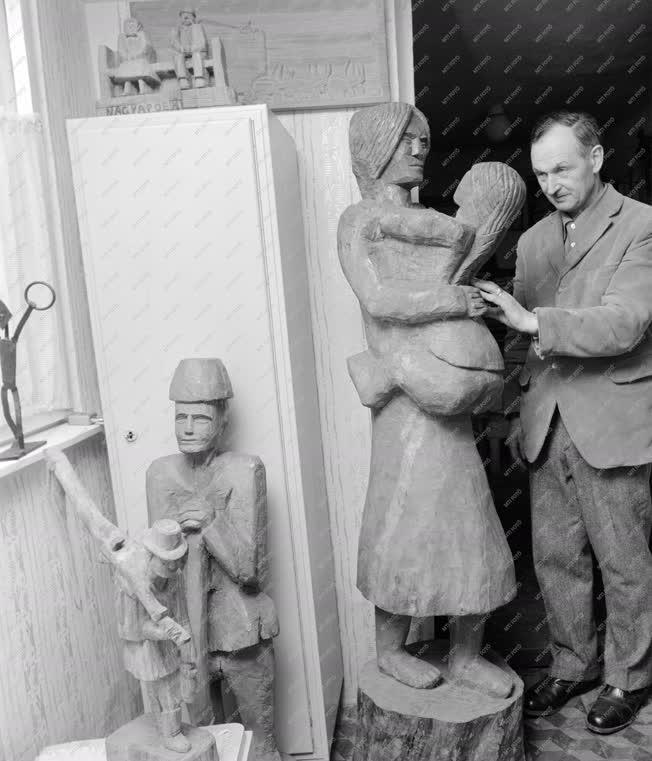 Kultúra - Szőrös József szoborfaragó művész