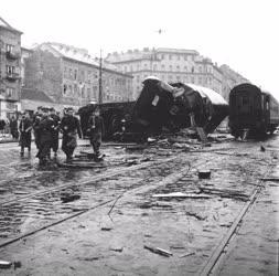 Ötvenhat emléke - Utcai harcok Budapesten - Barikád