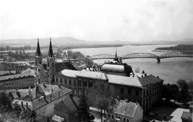 Százöt éves a Mária Valéria-híd