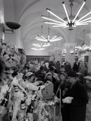 A szerző válogatása - Karácsony elött a Csemegeboltban