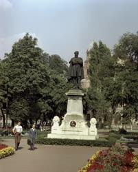 Városkép - Kultúra- Szemere Bertalan szobor Miskolcon