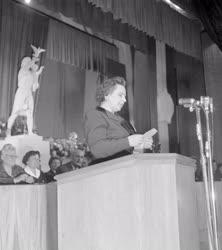 Belpolitika - Az Anyák Országos Konferenciája
