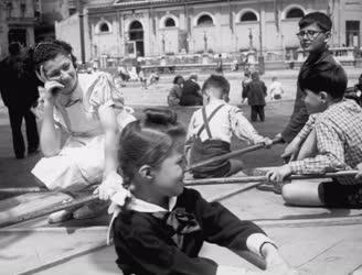 Társadalom - Gyermekjátszótér