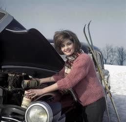Kereskedelem - Reklám - Gépkocsi motorolaj
