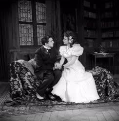 Színház - Magyar Színház - Szerelmi házasság