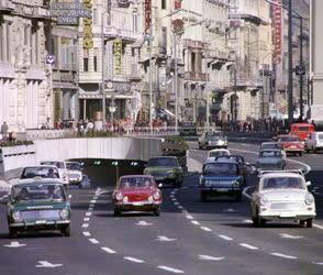 Városkép-életkép - Közlekedés - Járműforgalom Belvárosban