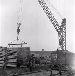 Ipar - Nagypanel gyártás a Sztálinvárosi Épületelemgyárban