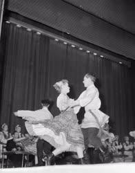 Kultúra - Külkapcsolat - A belorusz táncegyüttes föllépése