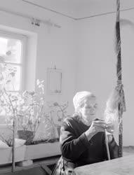 Városkép-életkép - Folklór - Hobbi - Gyapjúfonás