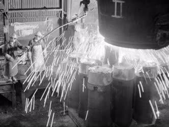 Ipar - Öntik az acélt Csepelen