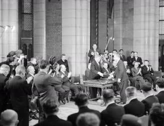 Kitüntetés - Az 1961-es Kossuth-díjak átadási ünnepsége
