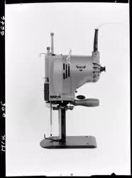 Ipar - Csepel Vas- és Fémművek - Szabászgép