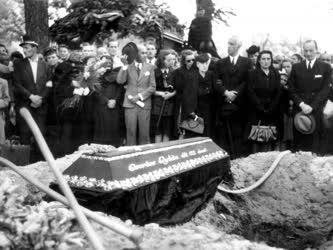Halálozás - Csortos Gyula temetése