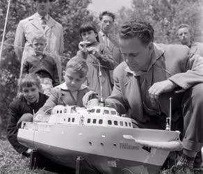 Szabadidő - Sport - Hajómodellező verseny a Városligetben