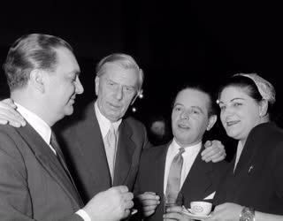 Díj - Az 1956. évi Kossuth-díjak kiosztása a Parlamentben