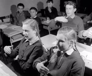 Oktatás- Szolfézs óra a Közlekedési Szakszervezet Klubjában