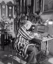 Kultúra - Hobbi - Dávid Ernő nyugdíjas óragyűjtő