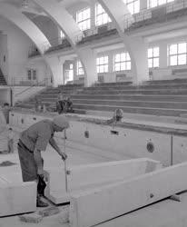Ipar - Építőipar - Befejezés előtt a Sportuszoda korszerűsítése