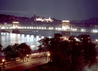 Városkép - Esti Budapest
