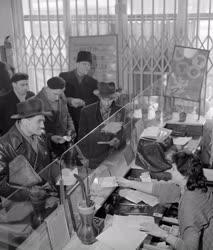 Szerencsejáték - Budapesti totózó