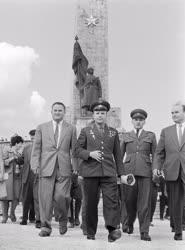 Külkapcsolat - Jurij Gagarin a világ első űrhajósa Budapesten
