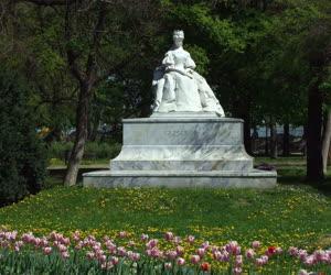 Műalkotás - Szeged - Erzsébet királyné-szobor