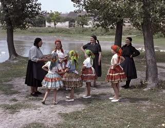Folklór - Decs község népviselete