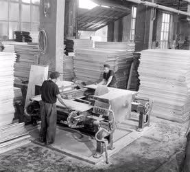 Ipar -  Építésügyi Minisztérium Parkettagyár kecskeméti telepén