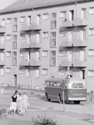 Városkép-életkép - Uránvárosi életkép