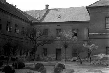 Börtön - Vas Zoltán látogatása a váci börtönben