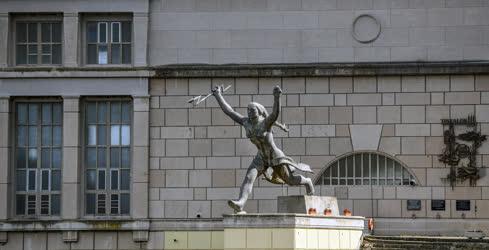 Köztéri szobor - Tiszalök - Energia