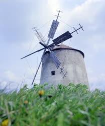 Kultúra - Ipari műemlék - A tési szélmalom