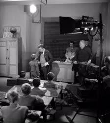 Kultúra - Film - Tatay Sándor: Puskák és galambok