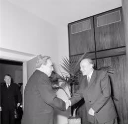 Külkapcsolat - Magyar és szovjet vezetők tárgyalása
