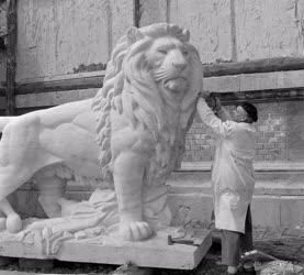Kultúra - Elkészültek a Várkert Bazár oroszlán szobrai