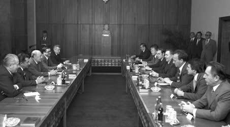 Külpolitika - VSZ külügyminiszterek fogadása
