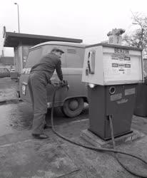Gazdaság - Üzemanyag - Önkiszolgáló benzinkút