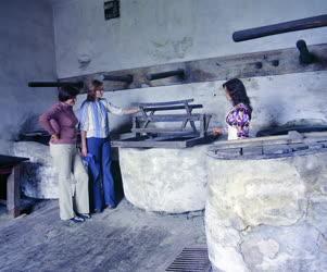 Folklór - A pápai Kékfestő Múzeumban