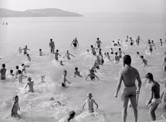 Szabadidő - Vakáció - Szántódi strand
