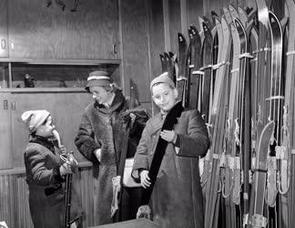 Kereskedelem - Téli vásár a Diadal Sportáruházban