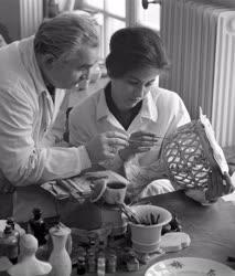 Oktatás - Ipar - Tanítás a Herendi Porcelángyárban