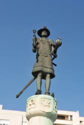 Gyöngyös - Köztéri szobor