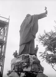 Kultúra - Restaurálják Szent Gellért szobrát