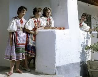 Kultúra - Új kultúrház Zánkán