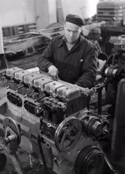 Ipar - A Csepel Autógyár